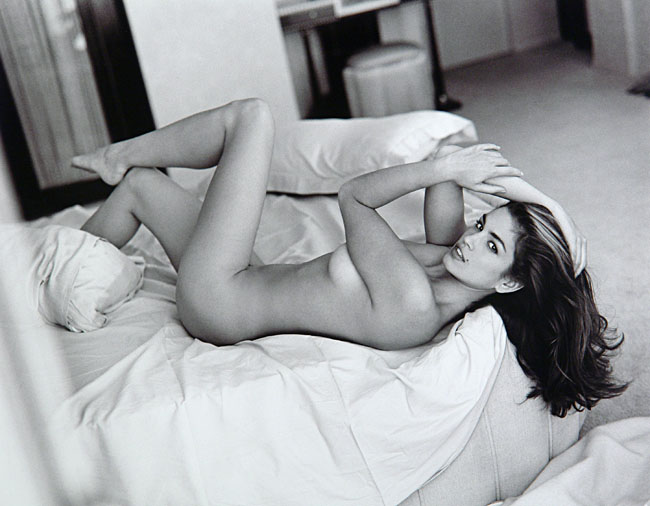 Fabulous nude of Cindy Crawford by fashion and celebrity photographer Sante ...